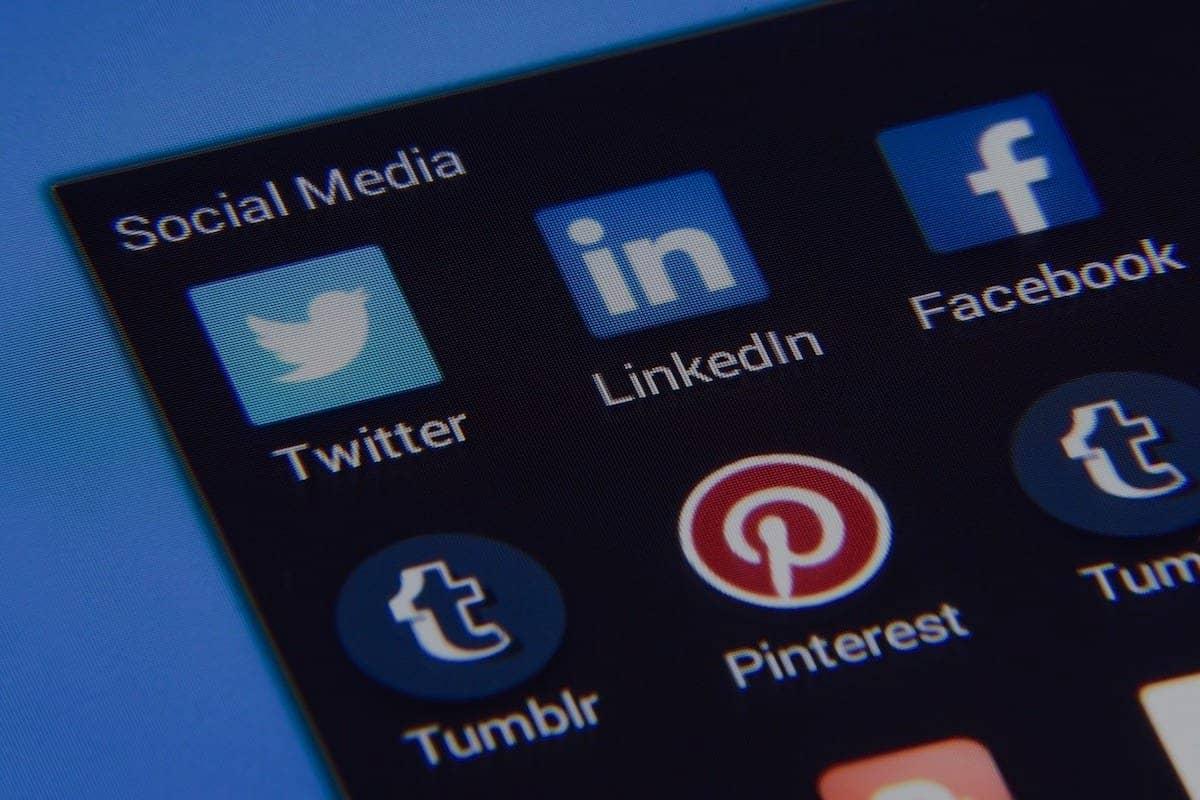 Linkedin abonnés stratégie de présence en ligne sur les réseaux sociaux